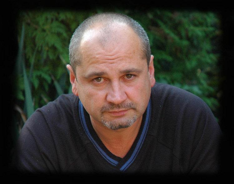 3. septembra 2008 od nás navždy odišiel majster Tibor Opát, člen nášho klubu, výborný bonsajista, špičkový slovenský suisekár a náš perfektný kamarát.